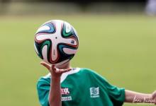 Mon Ballboy et d'autres joueurs de foot